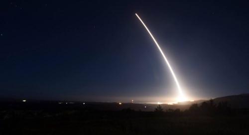 美空军试射导弹。(图片来源:美联社)