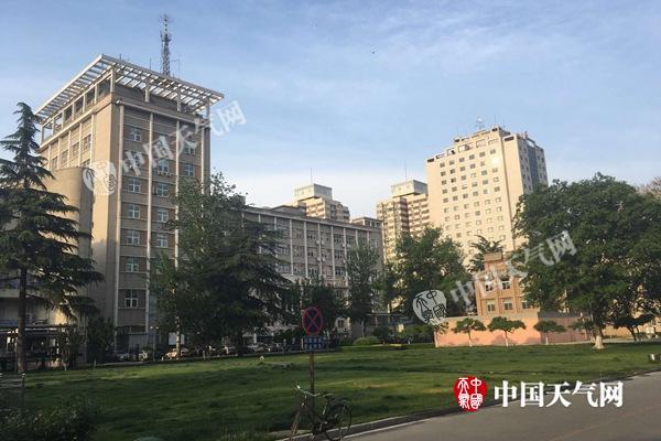 28日清晨,北京风轻云淡。
