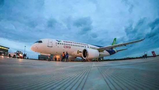 国产大飞机首飞成功,五大航空产业集群开启!