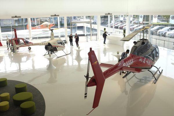 资料图片:私人飞机体验中心内景 新华社记者 刘坤 摄