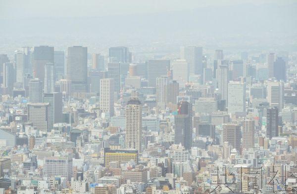 日本大范围观测到沙尘天气。(共同社)