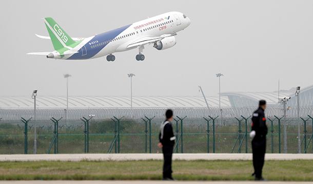 串起高端装备制造产业链 国产大飞机将复制高铁跨越式