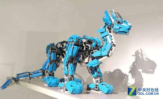 """大恐龙""""机器人"""""""
