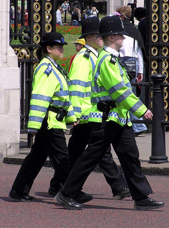 英国警方:将使用人工智能来决定是否关押嫌犯