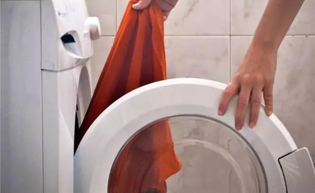 """【健康】看完洗衣机""""肮脏""""的真相,都不敢扔"""