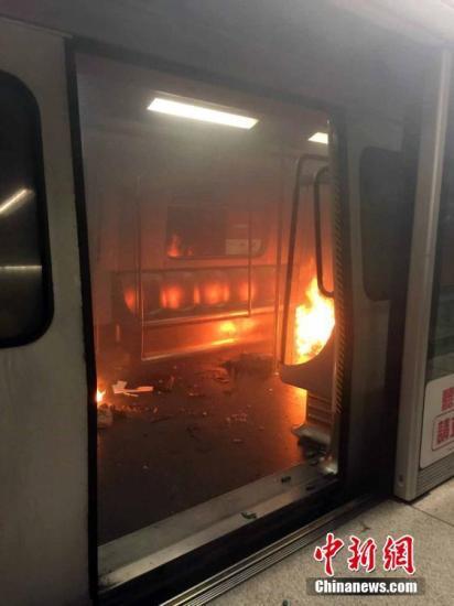 港铁纵火案疑犯留医3月后身亡 曾致19人受伤