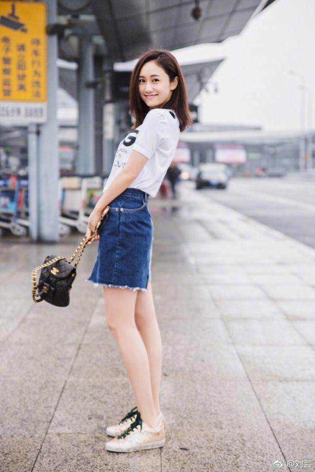 闫妮是最适合上妆的女星:素颜是路人都认不出的大妈,妆后变女王
