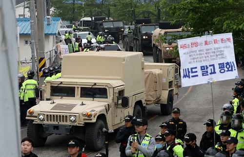 """資料圖:""""薩德""""部分裝備在韓部署 新華社/韓聯社"""