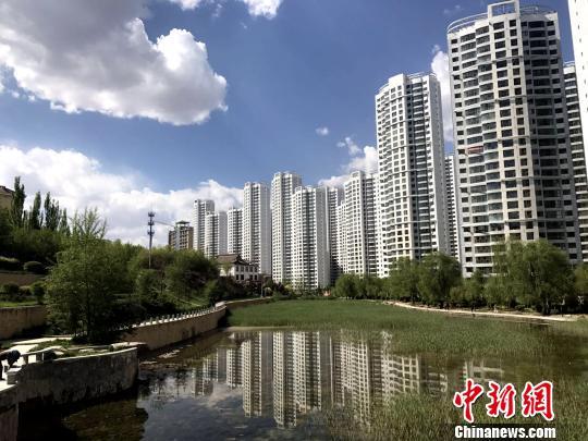 图为青海省省会西宁市街景一角. 张海东 摄-泉州化工发票 泉州化工发图片