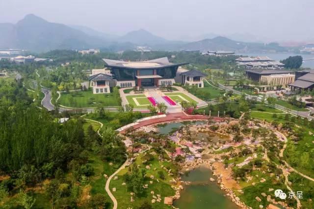 俯瞰雁栖湖国际会议中心及夏园