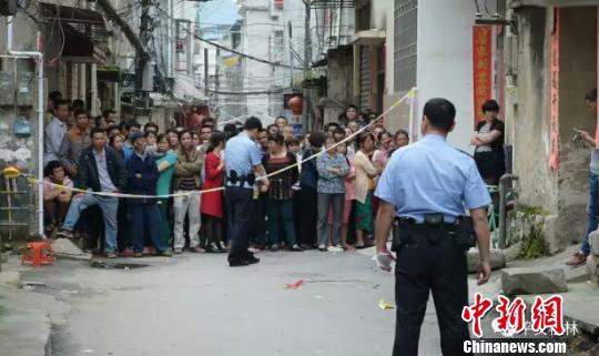 图为事发后警方封锁现场。 警方供图 摄