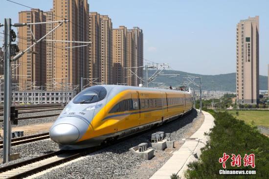资料图:5月16日,宝兰高铁陕西段联调联试正式启动。中新社记者 张远 摄