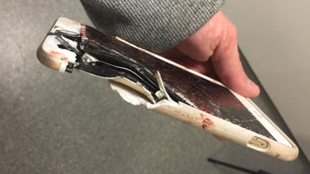 iPhone挡住曼彻斯特恐袭爆炸碎片救用户性命 (图)