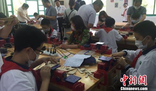 v专家专家回归:中国家庭教育支招|昆山|黄莹小学罗松