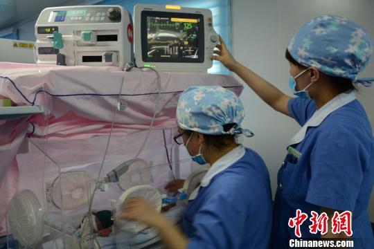 中国350万护士约半数遭遇心理创伤 社会偏见从何万达娱乐