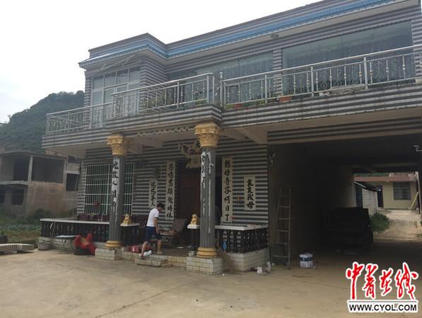 图为陈某亮大哥的家,事发前陈某亮和父母在这里暂住。中国青年报•中青在线记者 裴江文 摄