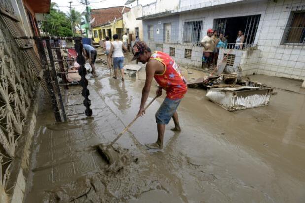 巴西东北部洪患泥石流 致5万人流离失所