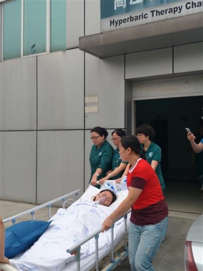 坚守现场救援被困司机的护士何鑫确诊有害气体中毒,经治疗已脱险