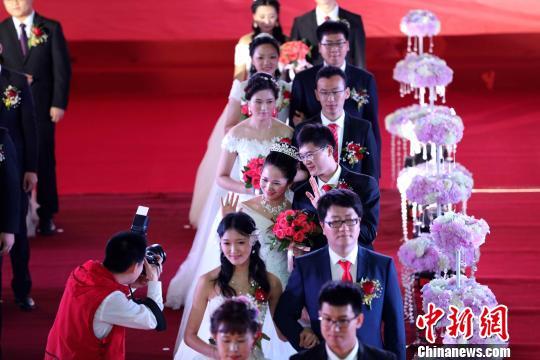集团婚礼现场 王舒 摄