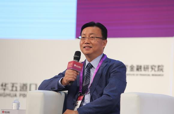 中国保险行业协会会长朱进元:健康险将撬动保