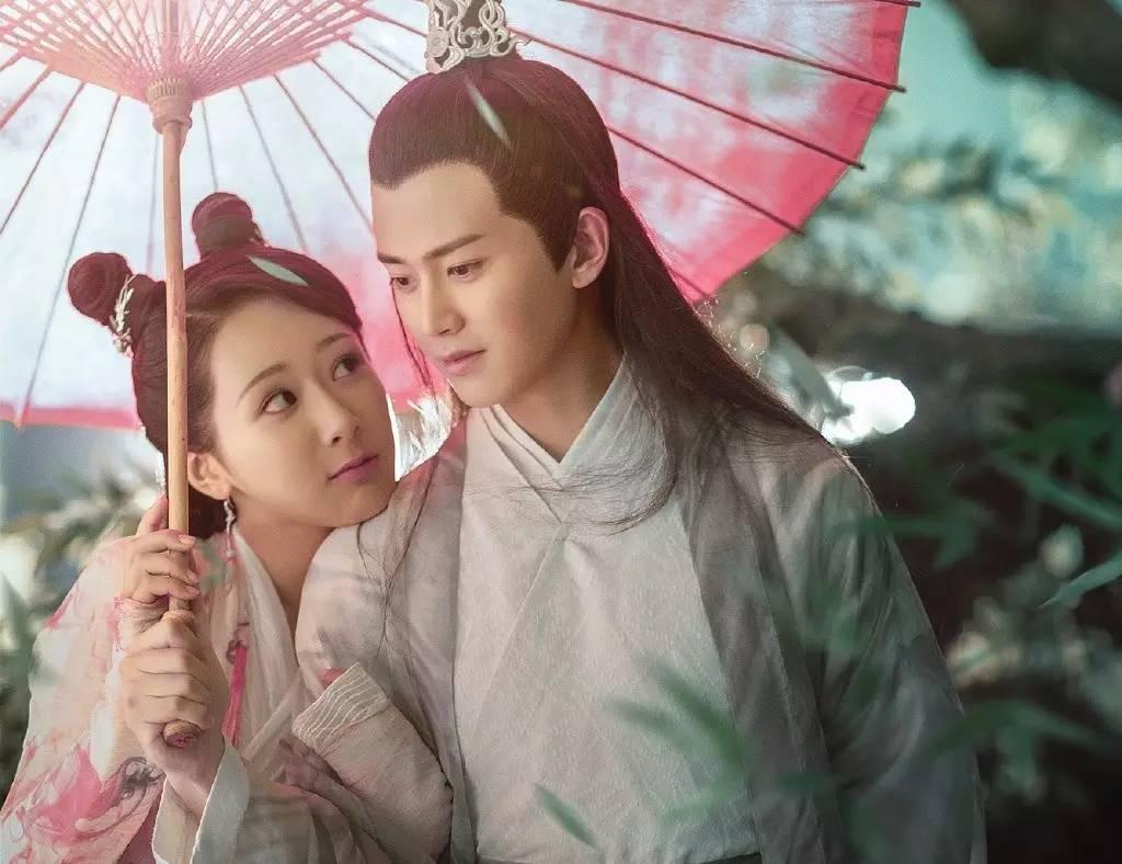 邱莹莹搭配广平王出演《天乩之白蛇传说》,画风居然如此清奇?!