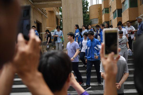 """外媒称中国高考是""""世界最难入学考试"""""""