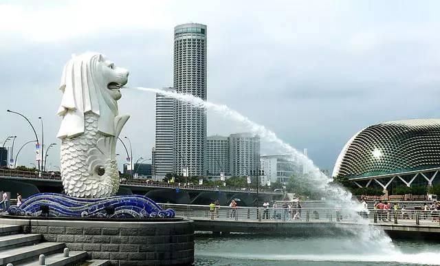 新加坡标志性建筑——狮身鱼尾像
