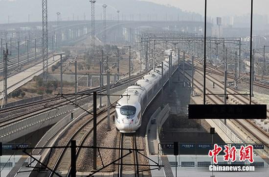 资料图:交通基础设施  中新社记者 泱波 摄