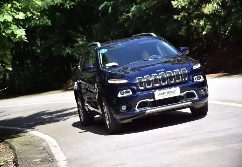 25万预算 选两驱还是选一台专业全路况Jeep?