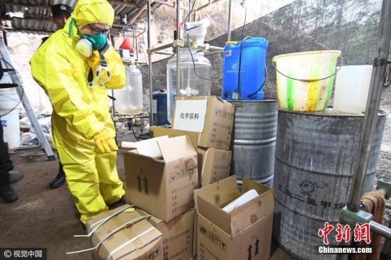 资料图:警方破获广西近年来最大宗生产制毒物品案。 文字来源:广西新闻网 宋兵甲 摄 图片来源:视觉中国
