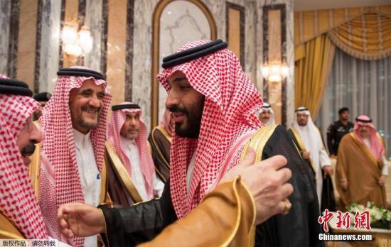 同时,他的儿子、时任国防大臣的穆罕默德<span class=
