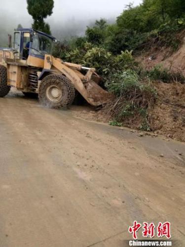 四川叙永暴雨成灾 部分房屋受损叙赤路中断
