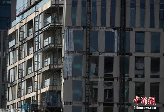 英国:多栋建筑外墙防火不合格 数千居民撤离