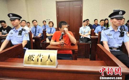 南京持刀伤医案凶手被判抢劫罪:系随机作案