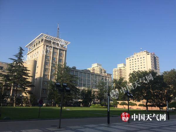 今晨,北京又现蓝天。
