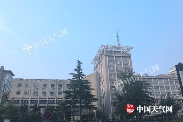 北京今日闷热持续最高35℃近期多雷阵雨