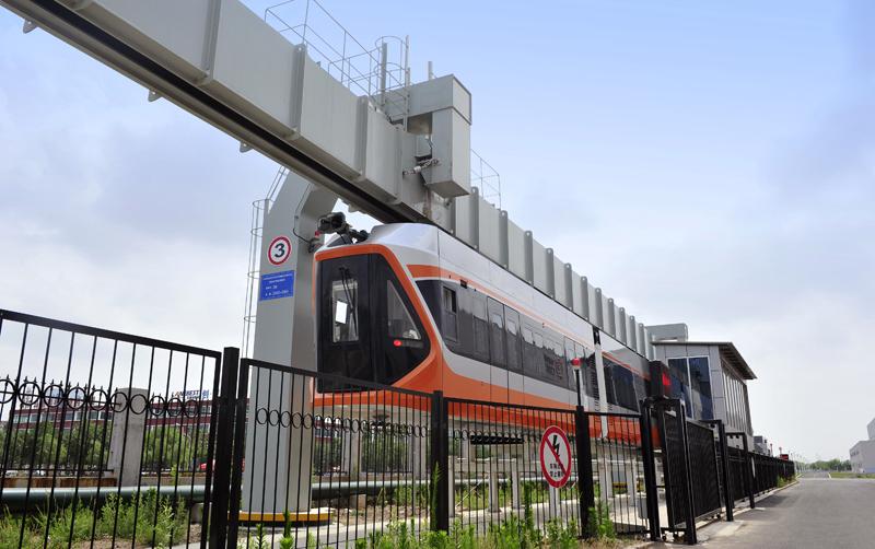 国内新闻 由青岛中车四方机车厂投资兴建,中国铁建二十五局集团承建的