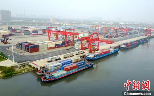 资料图 港口。 中新社记者 张娅子 摄