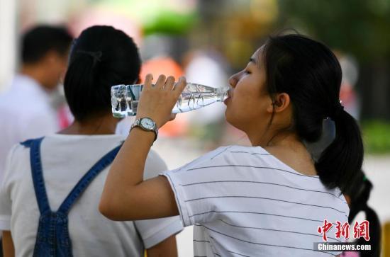 全国迎来新一轮南雨北热天气 冀鲁豫或超40℃