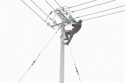 电动机接地是否良好,补偿器接线桩头是否松动,剩余电流动作保护器是否