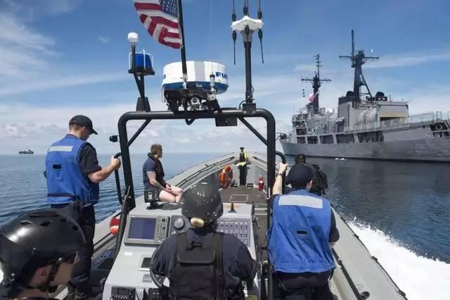 """▲菲们诮国水师结合巡查菲律宾以南的""""伤害水域""""。"""