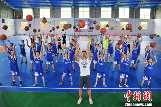 快乐暑假 孩子们的篮球训练营|邓龙华|篮球|金锐