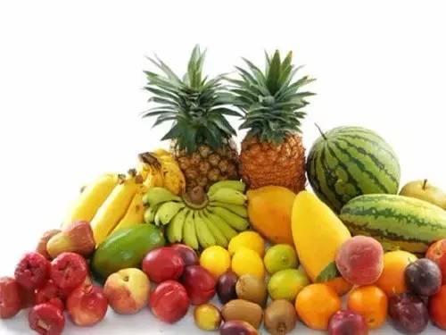 九,供应不断的各类热带瓜果 海南是水果大省,因为独特的自然环境