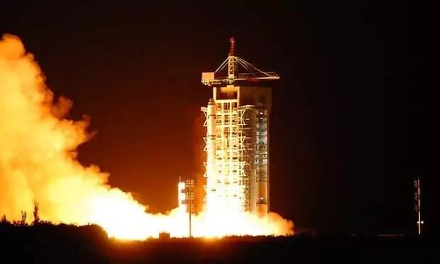 """▲资料图片:2016年8月16日,""""墨子号""""量子科学实验卫星在酒泉用长征二号丁运载火箭成功发射升空。"""
