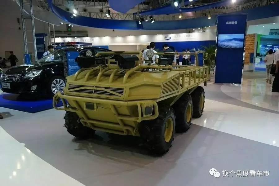 """""""跨越险阻""""解放军新能源和无人驾驶技术军用化"""
