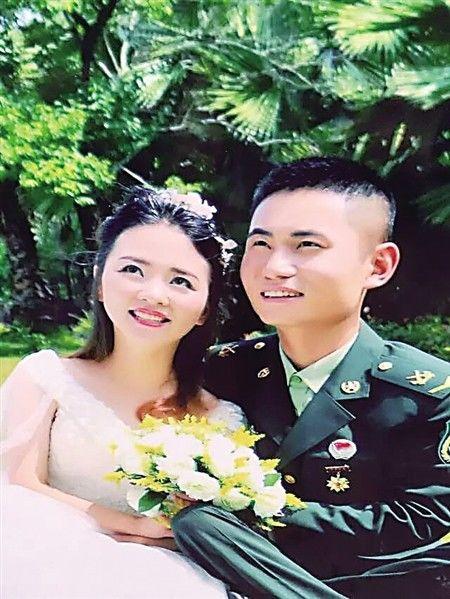 新郎和新娘的婚纱照