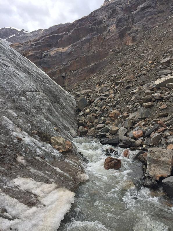 冰川的原理_冰川地貌