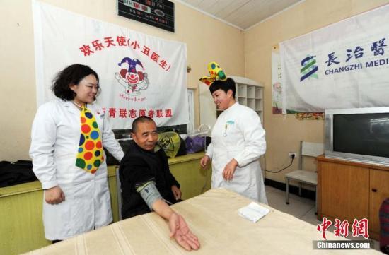 医院护理院一床难求 养老院空床率高的问题