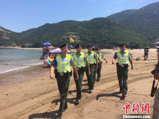 浙江省首批海岛旅游警察在舟山闪亮登场