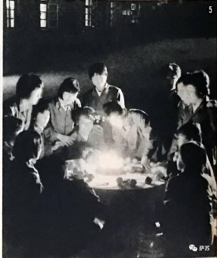 日文注释:同期的樱——女同学的生日晚会